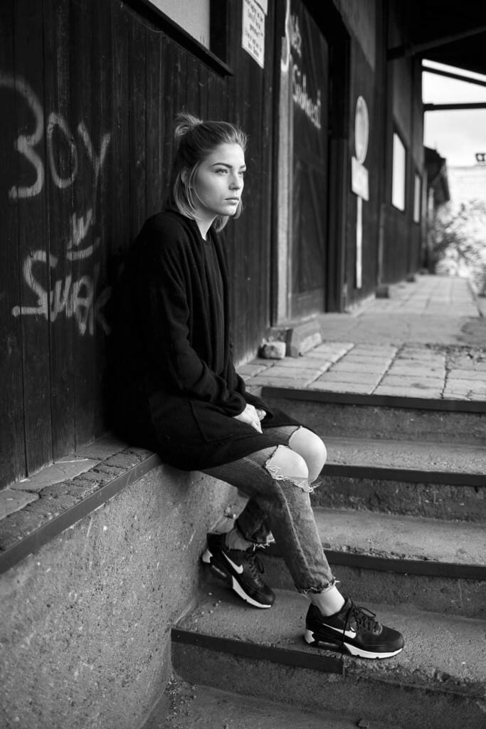 Fashion Editorial Black and White Street simple plain Einfach