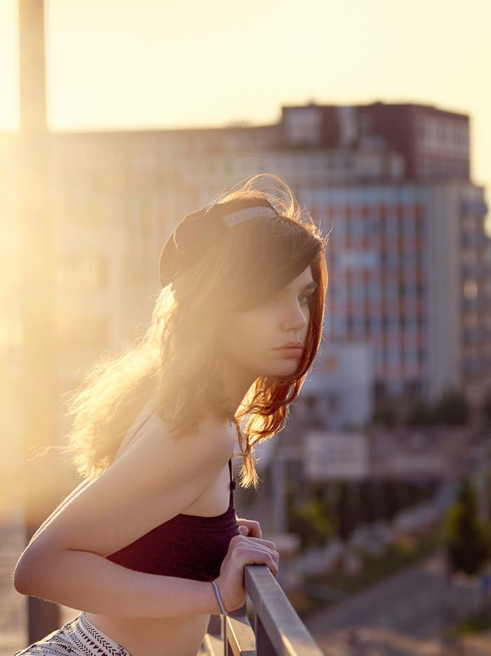 Streetfashion Fotos mit Janine in Ludwigshafen Rooftop Portrait Backlight Sunset Sonnenuntergang Parkhaus Streetstyle Hot