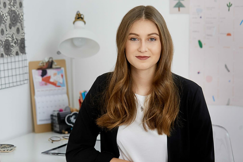 Businessportraits von Magdalena von mein Herzwerk bei der Arbeit,