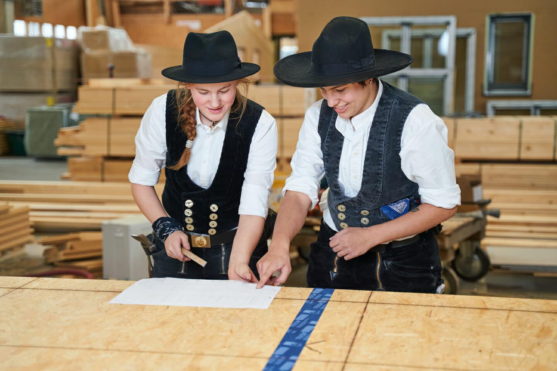 Imagefotos Handwerksbetrieb Zimmerinnen bei Plandurchsprache
