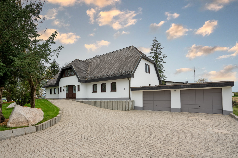 Immobilienfotografie Kraichgau Immobilienfotos Luxusvilla Kronau Aussenansicht